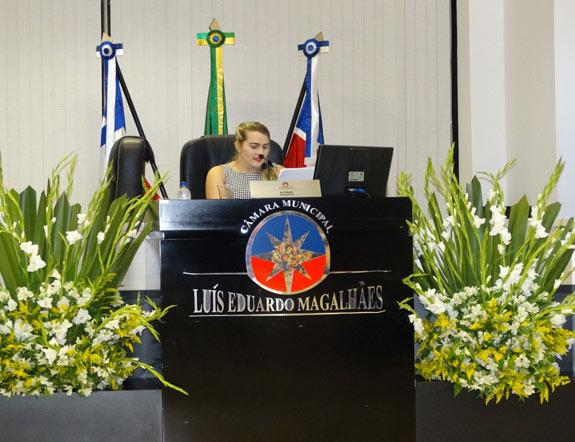A solenidade foi presidida pela vereadora katerine (PSD).  Que conduziu os trabalhos.